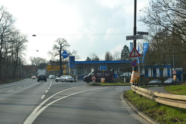 tankstelle am oberforsthaus frankfurt m die letzte vor der autobahn mgrs 32uma7547. Black Bedroom Furniture Sets. Home Design Ideas