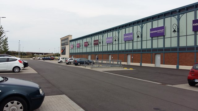 Brehna - Fashion Outlet