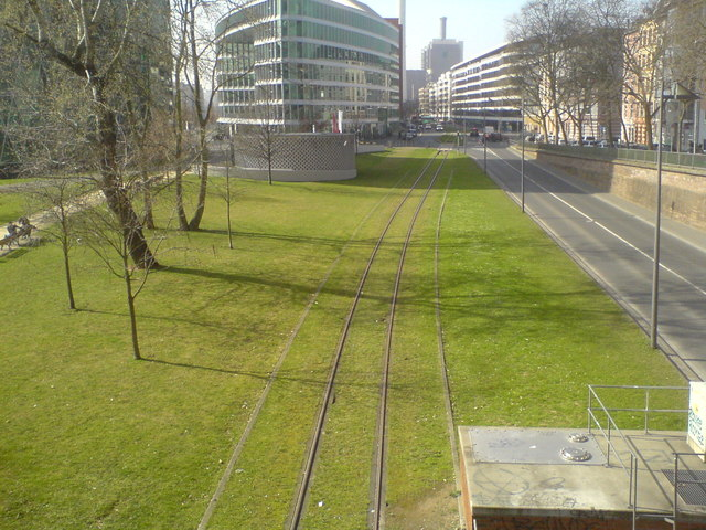 Speicherstraße und Hafenbahngleis von der Friedensbrücke aus (Speicherstrasse and track of the port railway seen from Friedensbruecke)
