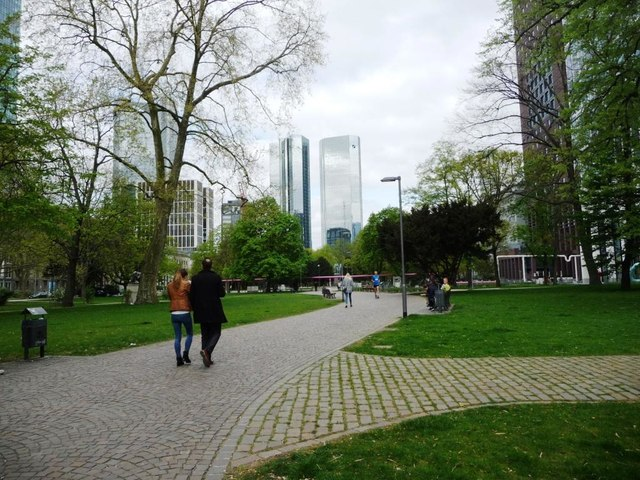 Frankfurt - small park off Gallusanlage