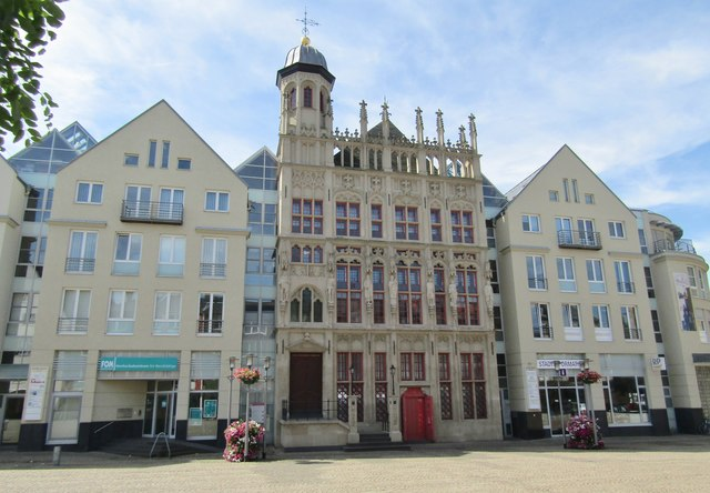 Wesel - Rathaus am Grosser Markt (Town Hall, Main Square)
