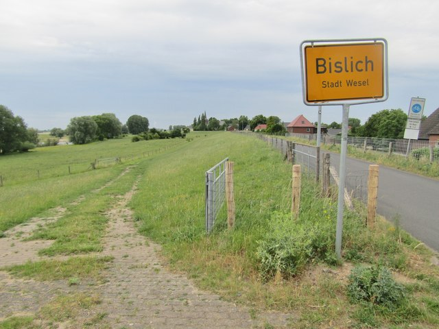 Bislicher Damm (Bislich Embankment)