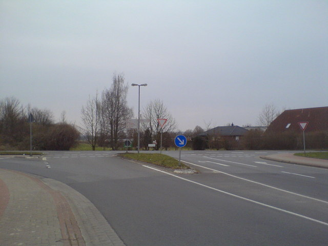 Lehrte, Ostring mündet auf Everner Straße (Lehrte, junction of Ostring and Everner Strasse)