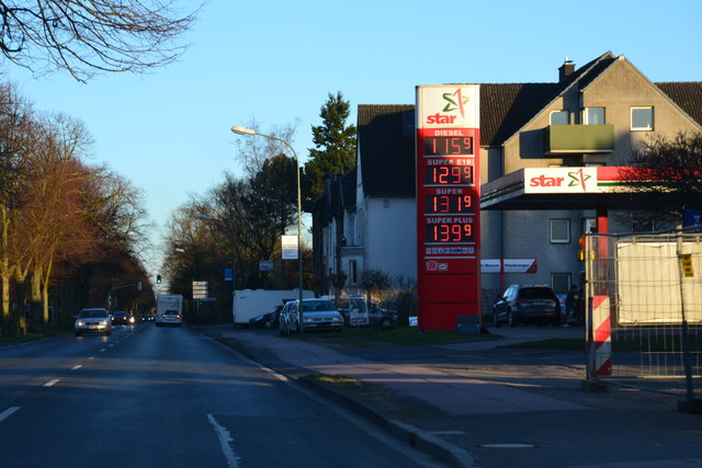 Kölner Str. in Neuss-Gnadental