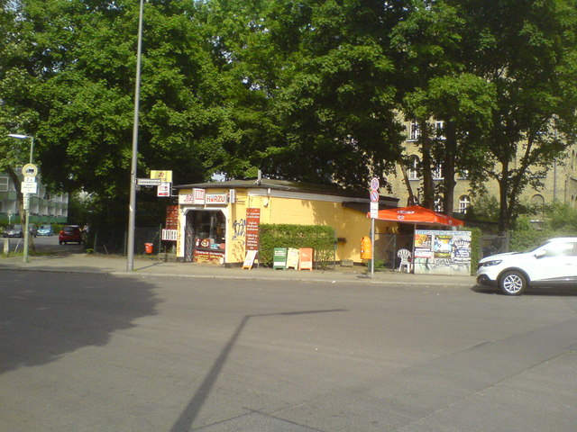 Kiosk an der Ecke Grenadierstraße - Grunewaldstraße (Kiosk at the corner of Grenadierstrasse and Grunewaldstrasse)