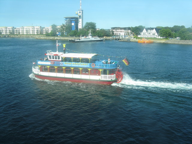 Boote auf der Warnow in Warnemünde (Boats on the Warnow at Warnemünde)