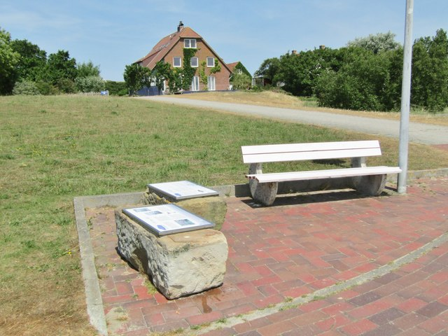 Baltrum - Rastplatz (Bench with Information Boards)