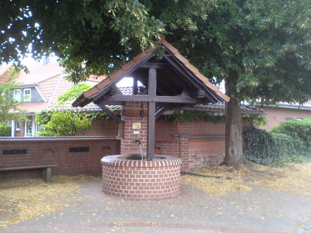 Brunnen in Grasdorf (Water well in Grasdorf)