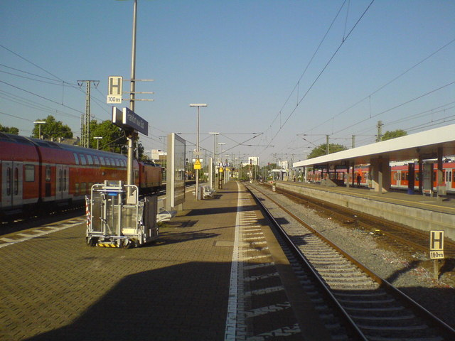 Frankfurt am Main Süd, Strecke zum Hauptbahnhof (Looking along the tracks to the main station in Frankfurt am Main South)