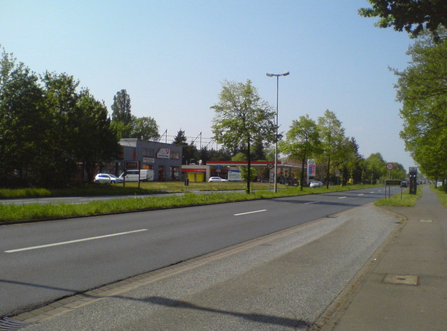 Tankstelle an der B6 in Berenbostel (Filling station on federal road B6 in Berenbostel)