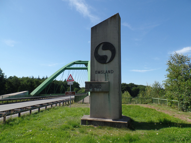Monument to the construction of the Ems bridge, Meppen, 1990-1