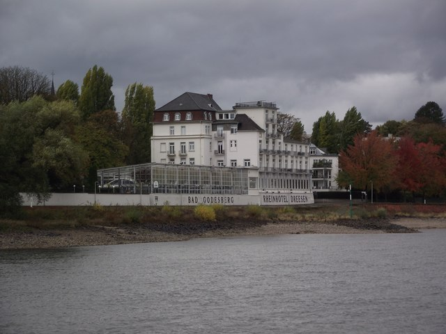 Rheinhotel Dreesen from the Rhine